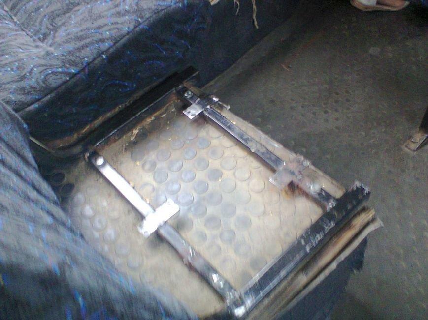 Ездить в николаевских маршрутках смертельно опасно (ФОТО) (фото) - фото 3