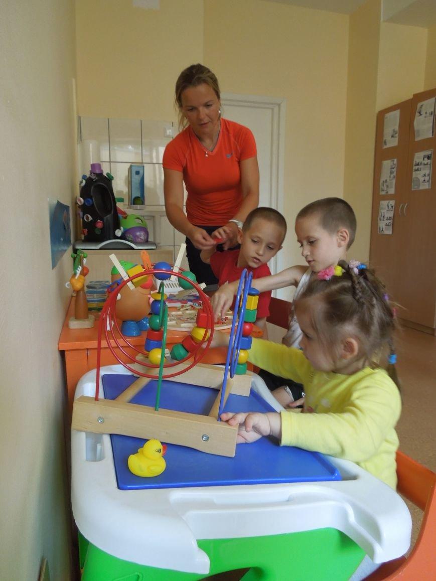 Дети, пострадавшие в зоне АТО, успешно проходят реабилитацию в Литве (фото) - фото 2