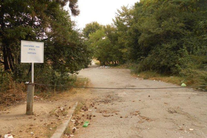 Отдыхающие превратили Симферопольское водохранилище в свалку (ФОТО) (фото) - фото 1