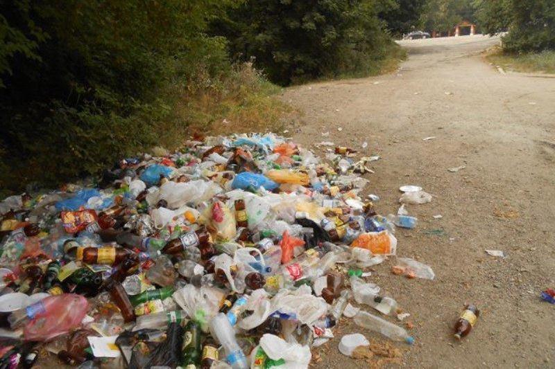Отдыхающие превратили Симферопольское водохранилище в свалку (ФОТО) (фото) - фото 3