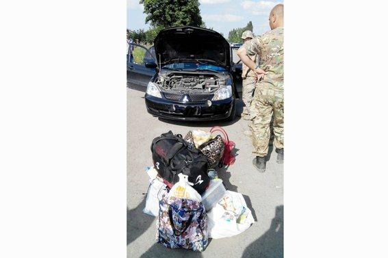 Рівненські правоохоронці в зоні АТО знову виявили велику партію грошей  (ФОТО) (фото) - фото 1
