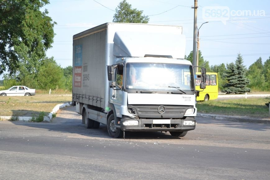 ДТП в Днепродзержинске: столкнулись Subaru и Mercedes (ФОТО) (фото) - фото 2