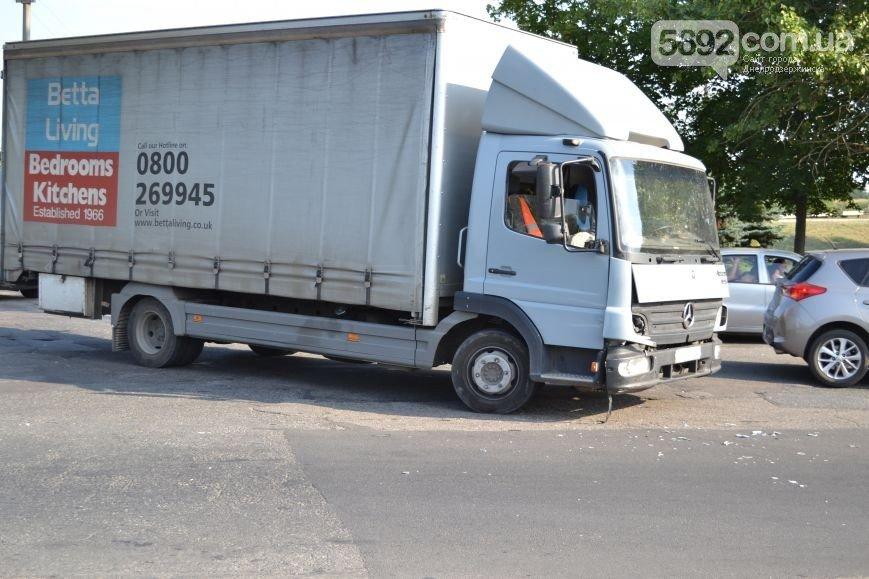 ДТП в Днепродзержинске: столкнулись Subaru и Mercedes (ФОТО) (фото) - фото 3