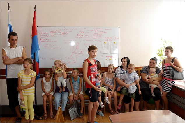 Администрация Феодосии помогла многодетным семьям, оказавшимся в трудной жизненной ситуации (ФОТО), фото-2