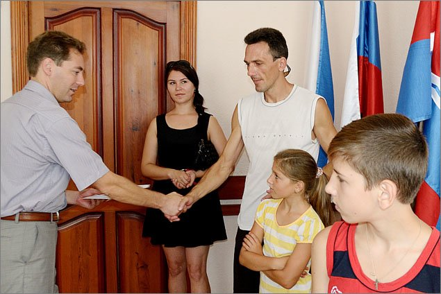 Администрация Феодосии помогла многодетным семьям, оказавшимся в трудной жизненной ситуации (ФОТО), фото-1
