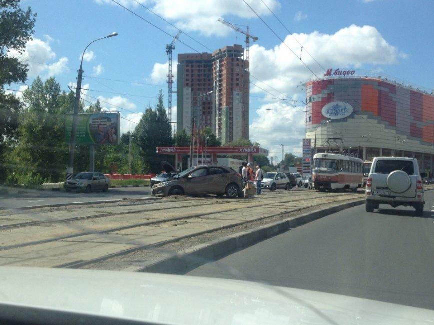 В аварии на Московском шоссе пострадали два человека (фото) - фото 1