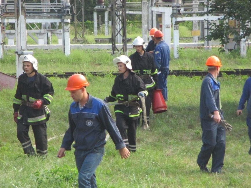 Сегодня кременчугские спасатели «тушили пожар» в трансформаторе на ТЭЦ (ФОТО), фото-10