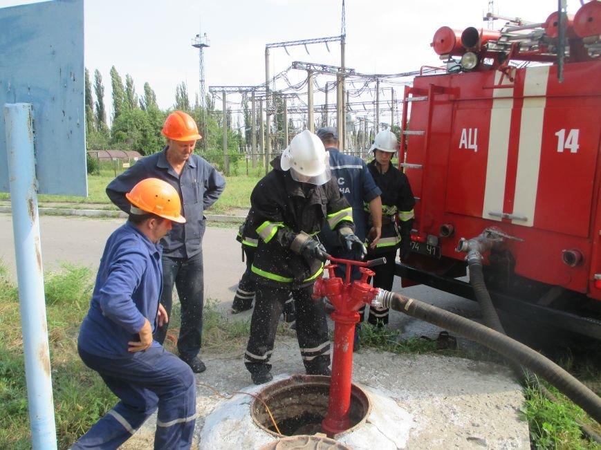 Сегодня кременчугские спасатели «тушили пожар» в трансформаторе на ТЭЦ (ФОТО), фото-6