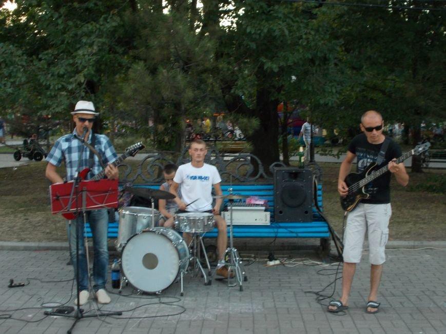 Уличные музыканты Бердянска (фото) - фото 1