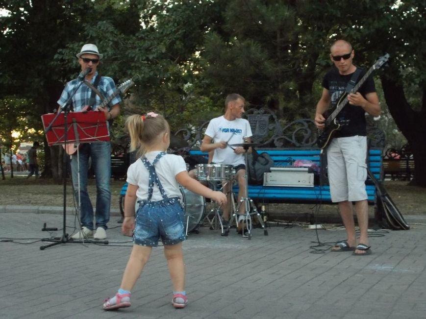 Уличные музыканты Бердянска (фото) - фото 3