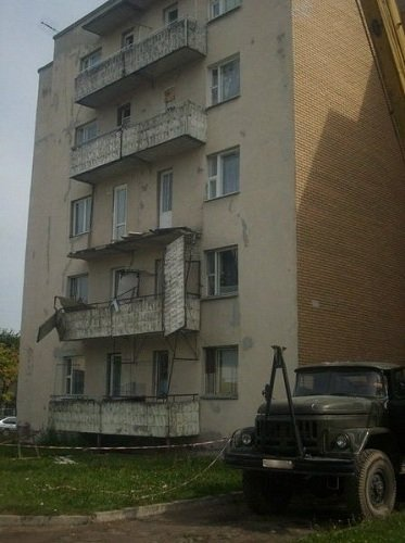 В Лиде в общежитии обвалился балкон (фото) - фото 4