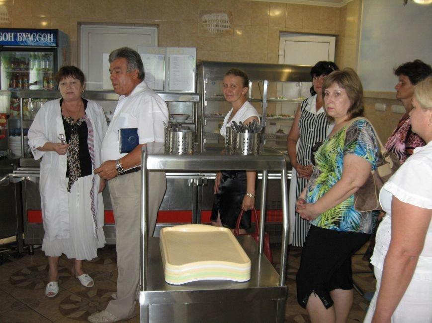В Красноармейске стараются уравновесить спрос и предложение на рынке труда, фото-1