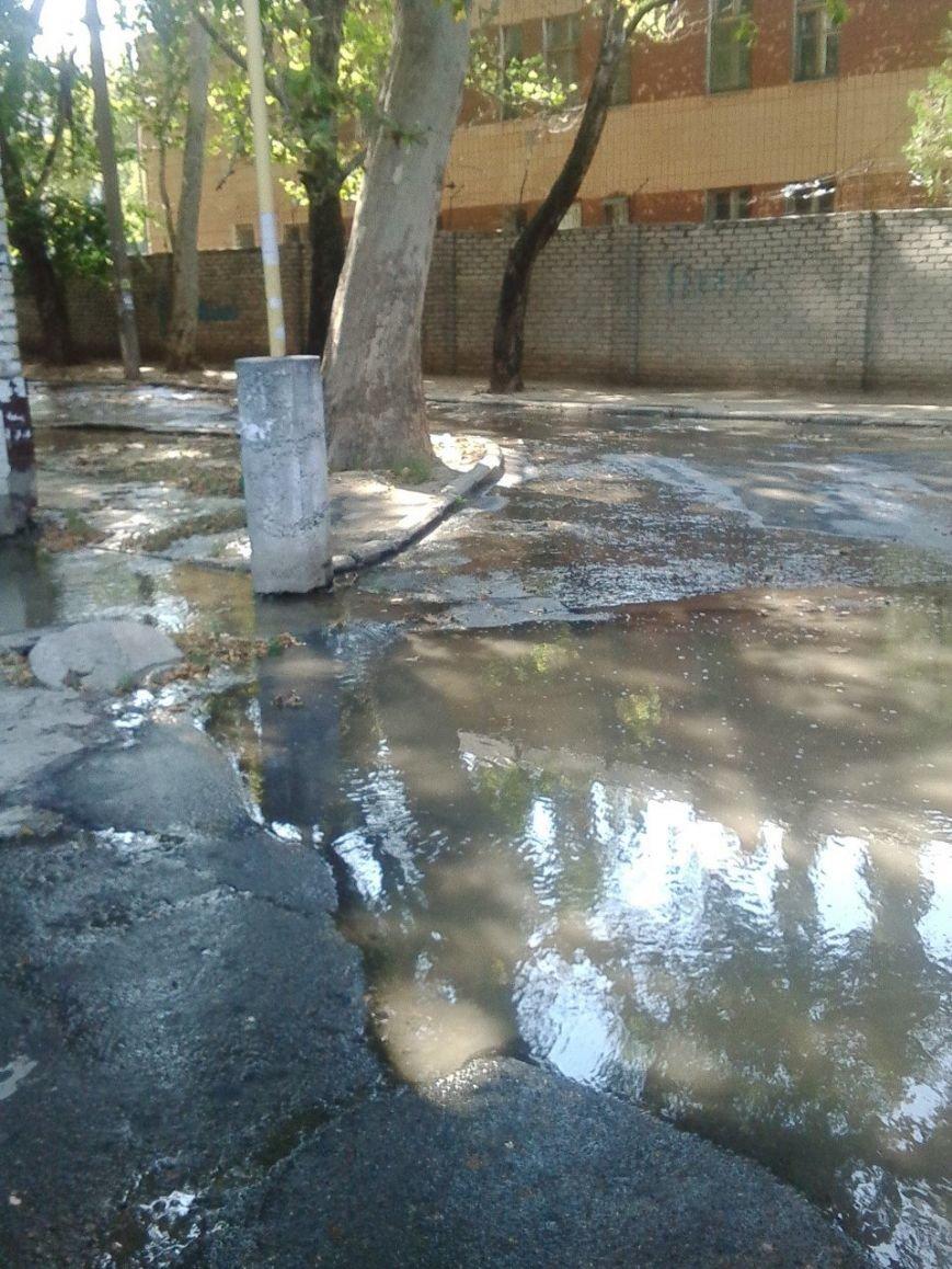 В Николаеве затопило дворы из-за аварии на водоводе (ФОТОРЕПОРТАЖ), фото-5