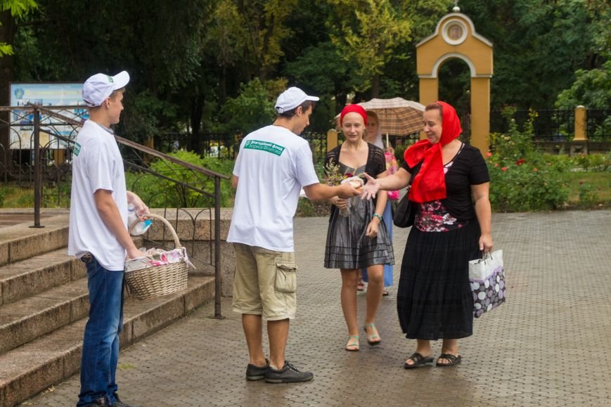 Филатов поздравил верующих с праздником Маковея, фото-4