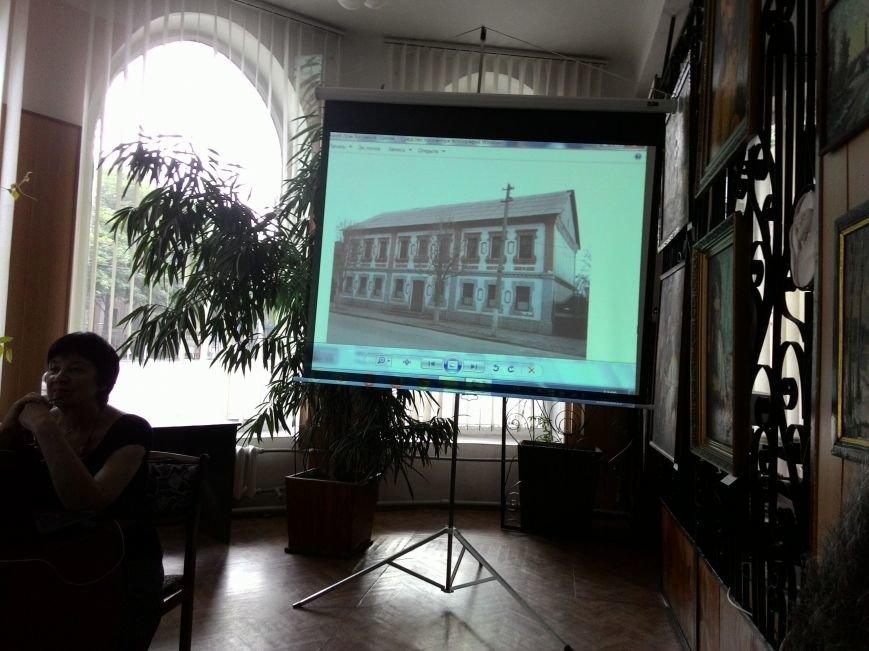 О газете «Кам'янські вісті» рассказали в центральной библиотеке Днепродзержинска, фото-5
