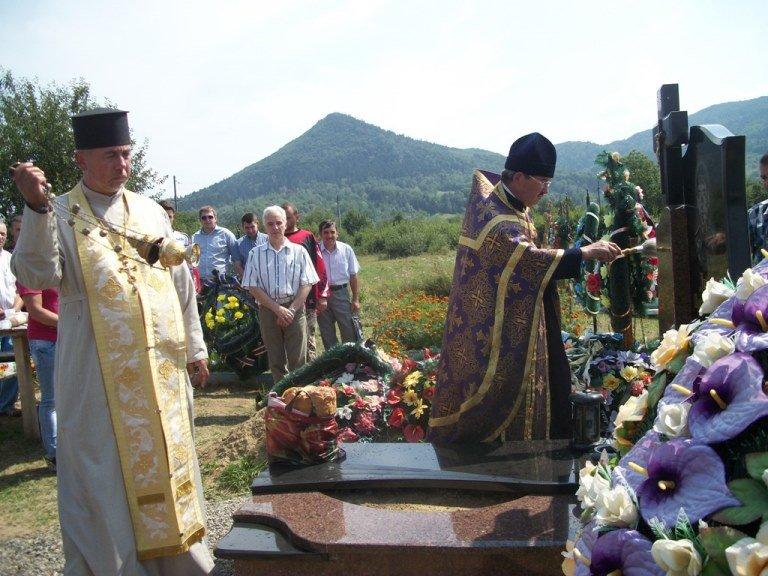 Освятили пам'ятник на могилі героя П. Лейби у Берегометі, фото-1