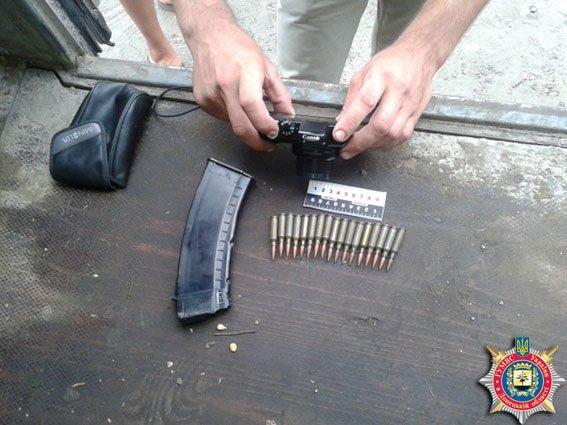 В Славянске гаишники обнаружили в автомобиле снаряженный магазин с патронами. ФОТО (фото) - фото 1