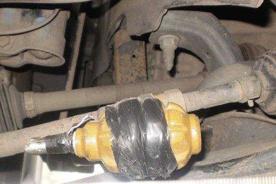 У Полтаві на СТО під час огляду автомобіля знайшли гранату. Фото (фото) - фото 1