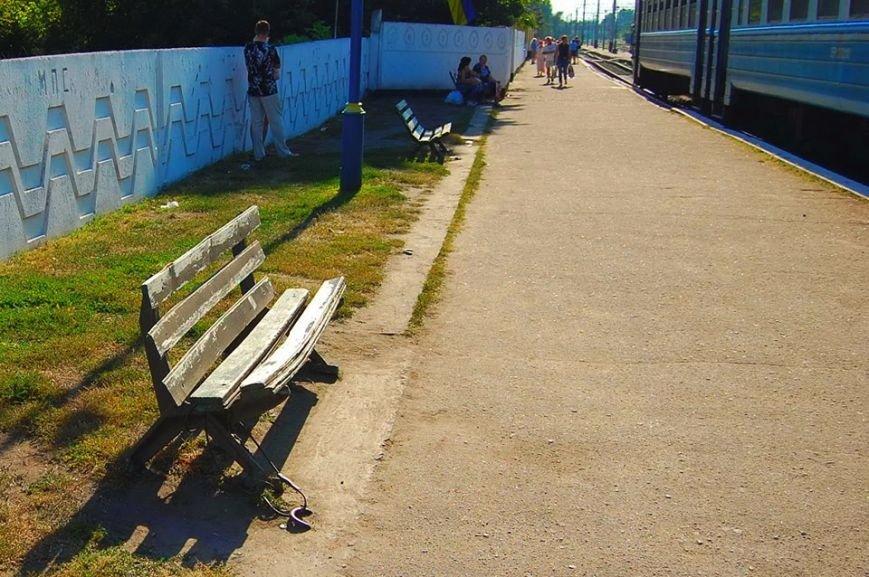 В Никополе посадка на электрички проходит за багажным отделением (фото), фото-7
