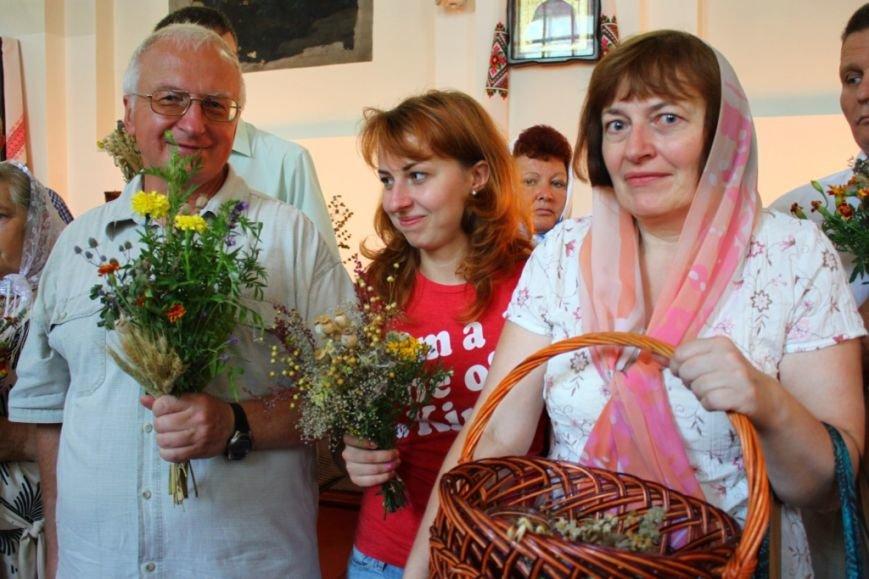 У Житомирі в  Свято-Михайлівському кафедральному соборі пройшло святкування Маковея (фото) - фото 1