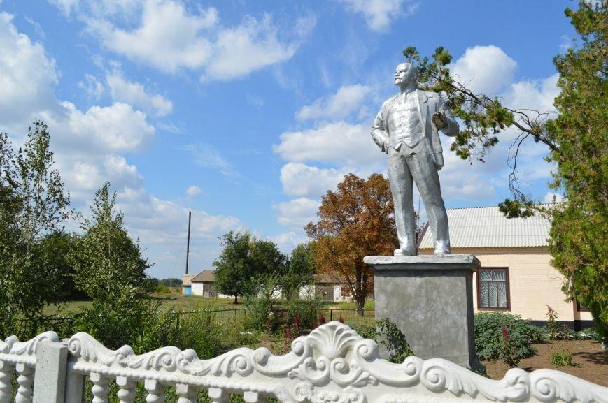 В Запорожской области вместо Ленина установили памятник Шевченко (ФОТО) (фото) - фото 2