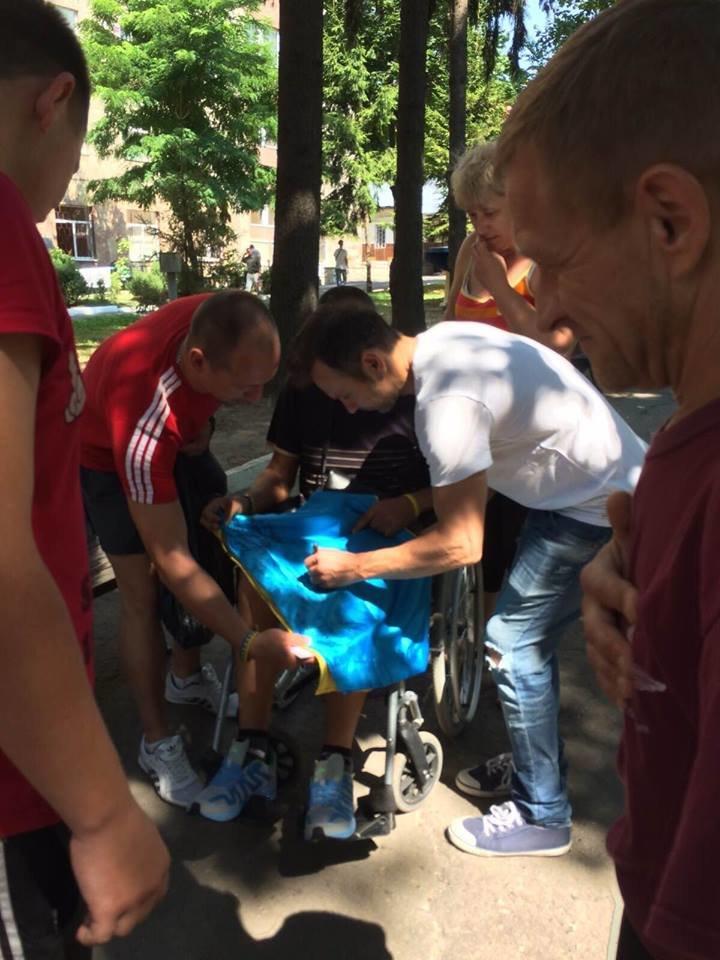 У Львівському госпіталі поранені бійці першими почули новий трек від Святослава Вакарчука (ФОТО+ВІДЕО) (фото) - фото 2