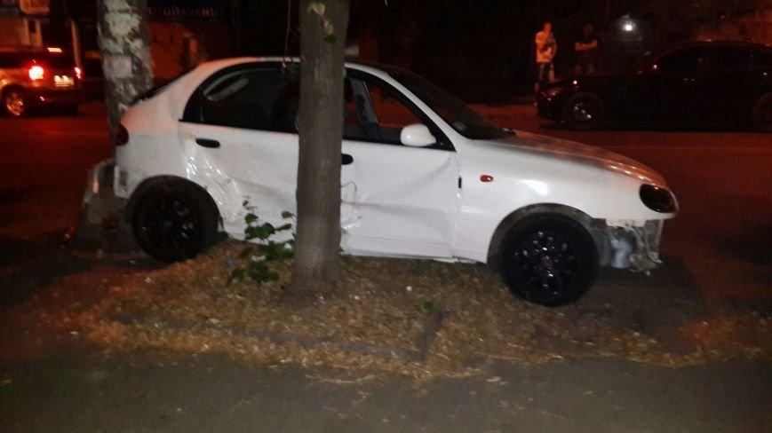 ДТП в Днепропетровске: Столкнулись Ланос и Матиз (фото) - фото 3