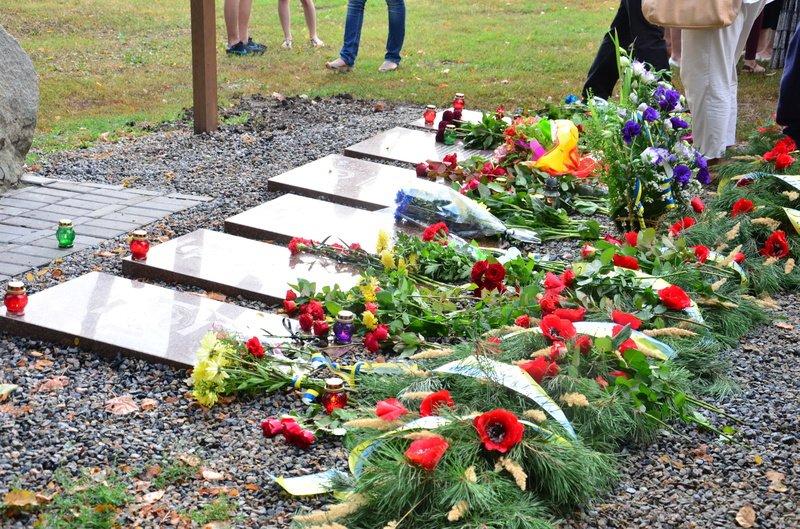 На Днепропетровщине почтили память погибших десантников 25-й бригады (фото) - фото 4
