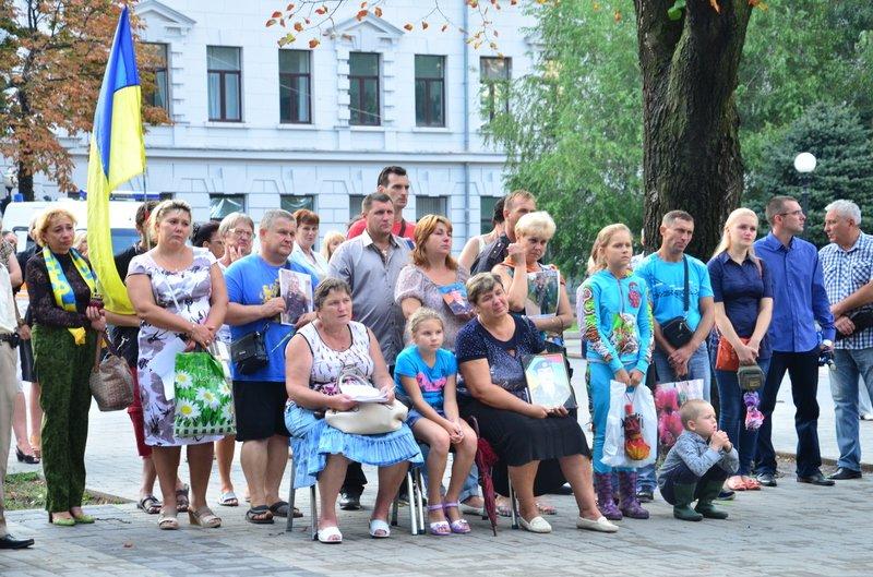 На Днепропетровщине почтили память погибших десантников 25-й бригады (фото) - фото 5