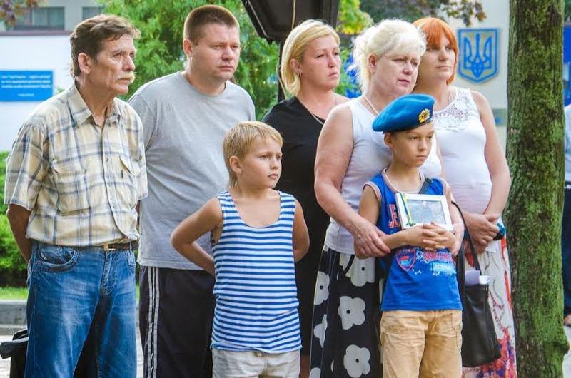 На Днепропетровщине почтили память погибших десантников 25-й бригады (фото) - фото 1