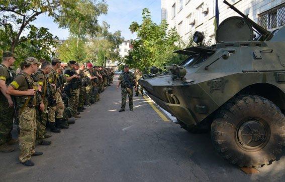 В Мариуполе милиционеры совершили пеший марш-бросок (ФОТОРЕПОРТАЖ) (фото) - фото 2