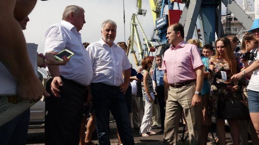 Жербривский хочет вернуть в мариупольский порт контейнерные перевозки  и  «Меотиду» (ФОТО) (фото) - фото 2