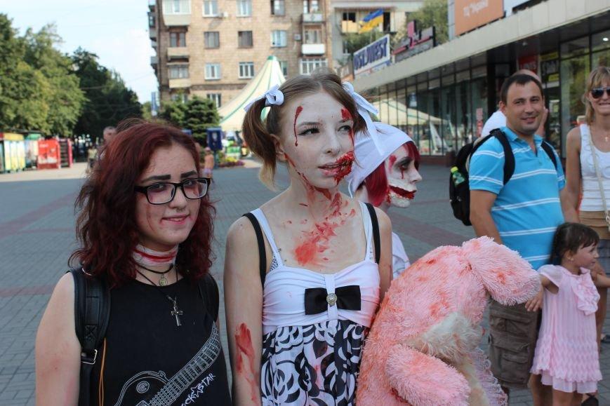 По центру Запорожья гуляли зомби (ФОТОРЕПОРТАЖ), фото-12