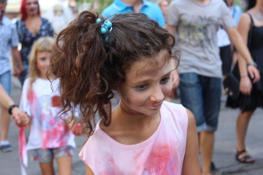 По центру Запорожья гуляли зомби (ФОТОРЕПОРТАЖ), фото-10