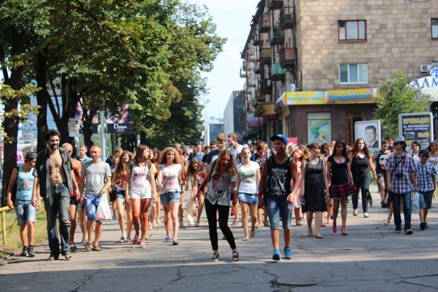 По центру Запорожья гуляли зомби (ФОТОРЕПОРТАЖ), фото-9