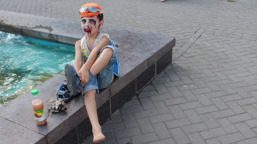 По центру Запорожья гуляли зомби (ФОТОРЕПОРТАЖ), фото-14