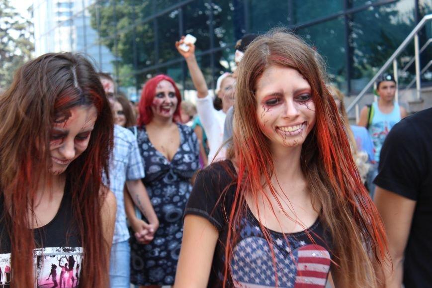 По центру Запорожья гуляли зомби (ФОТОРЕПОРТАЖ), фото-8
