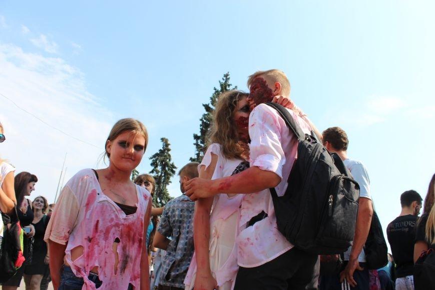 По центру Запорожья гуляли зомби (ФОТОРЕПОРТАЖ), фото-2