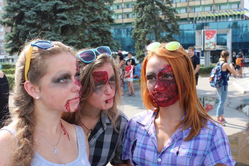 По центру Запорожья гуляли зомби (ФОТОРЕПОРТАЖ), фото-1