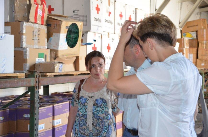 В Мариуполе открыли волонтерский логистический центр (ФОТО+ВИДЕО), фото-9