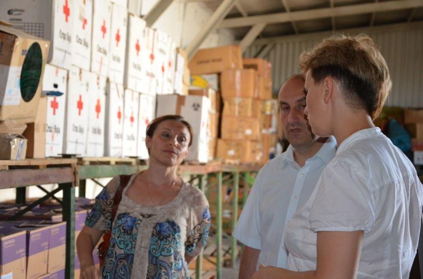 В Мариуполе открыли волонтерский логистический центр (ФОТО+ВИДЕО), фото-10