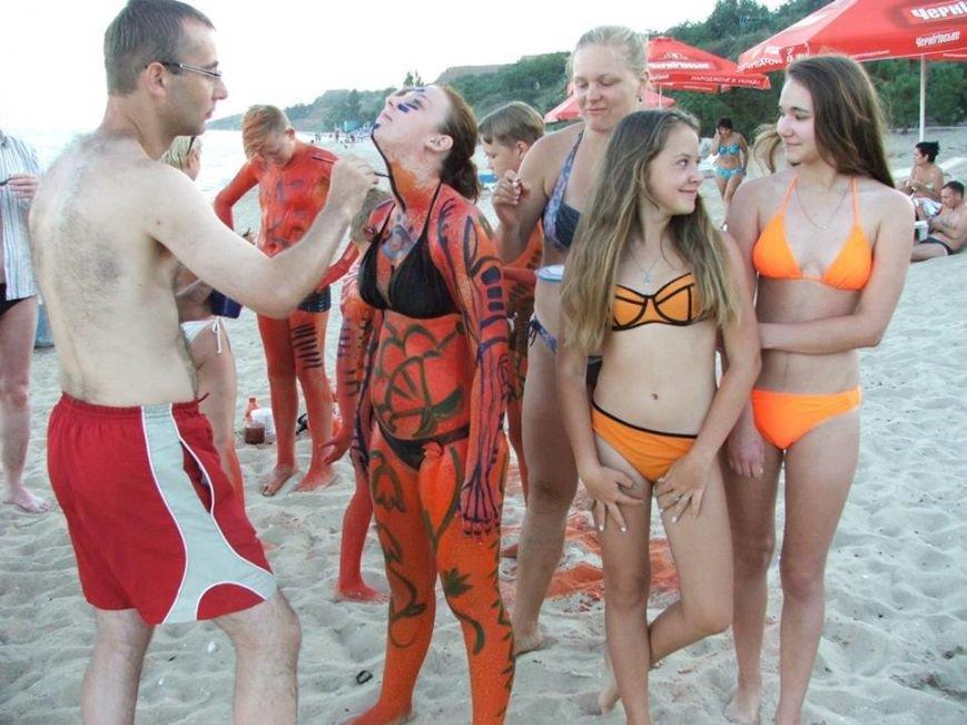 Арт-пикник по-мариупольски! Пляж Песчаного превратился в творческую тусовку (ФОТО) (фото) - фото 4