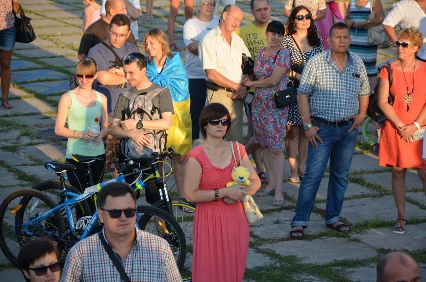 В Мариуполе киевские артисты поддержали жителей на концерте (ФОТО+ВИДЕО), фото-40