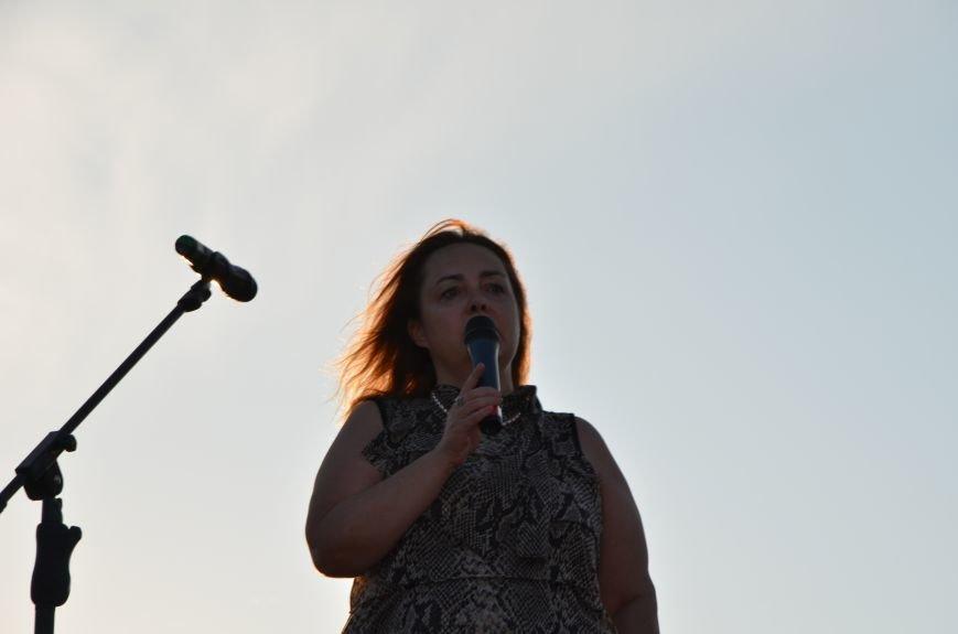 В Мариуполе киевские артисты поддержали жителей на концерте (ФОТО+ВИДЕО), фото-32