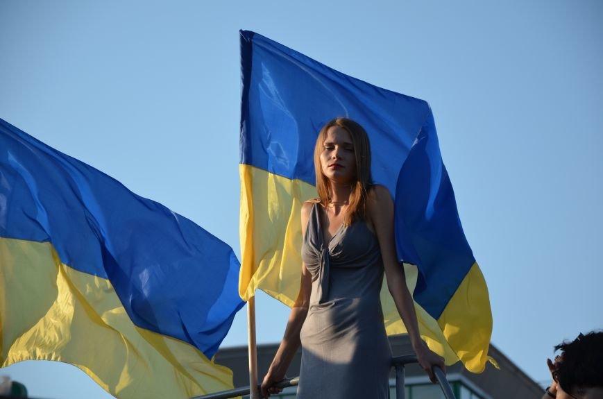 В Мариуполе киевские артисты поддержали жителей на концерте (ФОТО+ВИДЕО), фото-21