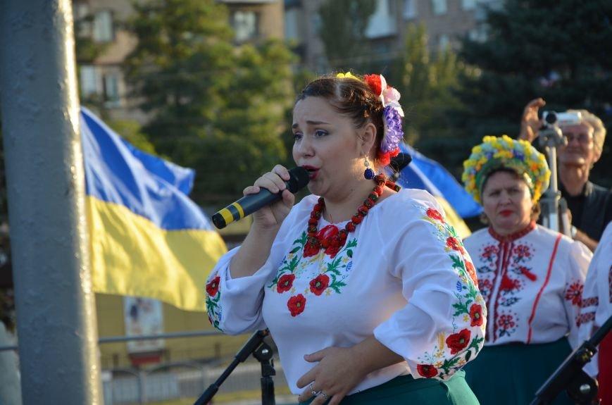 В Мариуполе киевские артисты поддержали жителей на концерте (ФОТО+ВИДЕО), фото-39