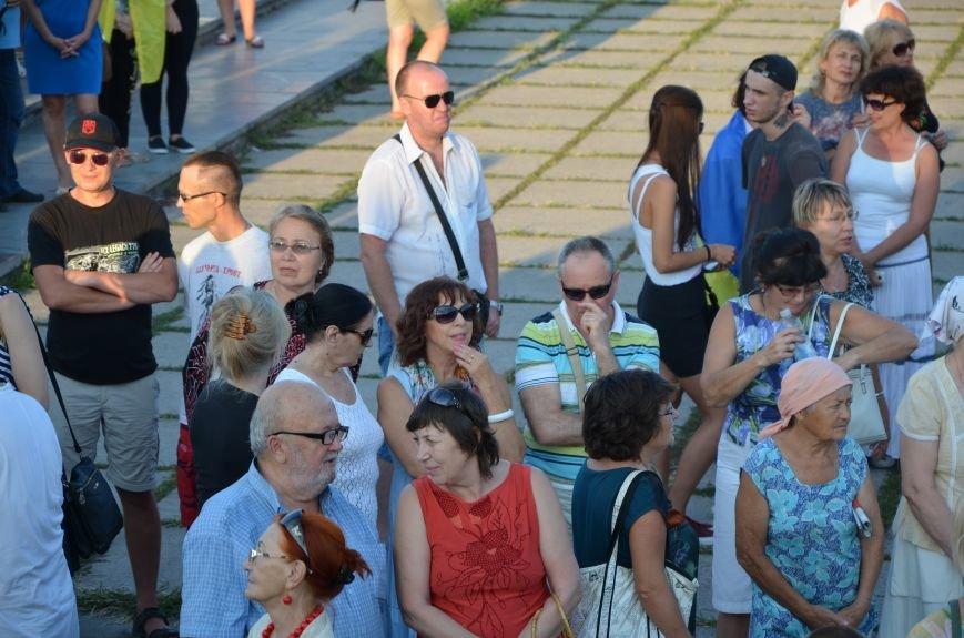 В Мариуполе киевские артисты поддержали жителей на концерте (ФОТО+ВИДЕО), фото-37