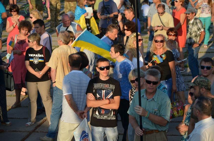 В Мариуполе киевские артисты поддержали жителей на концерте (ФОТО+ВИДЕО), фото-18