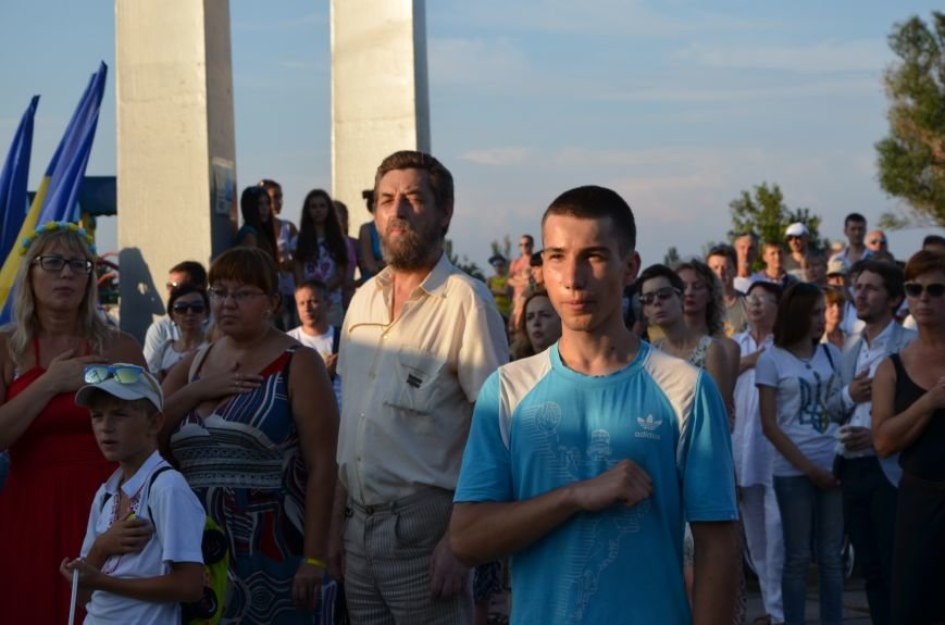 В Мариуполе киевские артисты поддержали жителей на концерте (ФОТО+ВИДЕО), фото-28