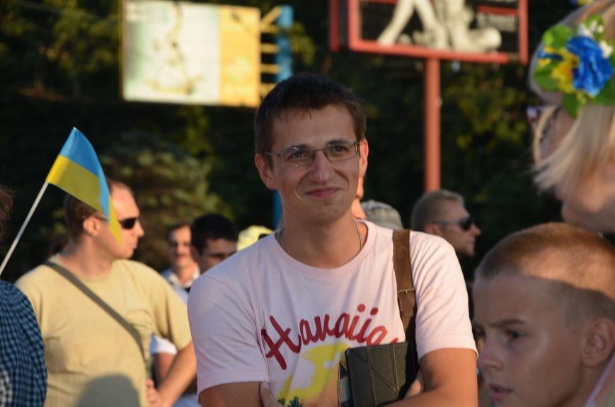 В Мариуполе киевские артисты поддержали жителей на концерте (ФОТО+ВИДЕО), фото-23